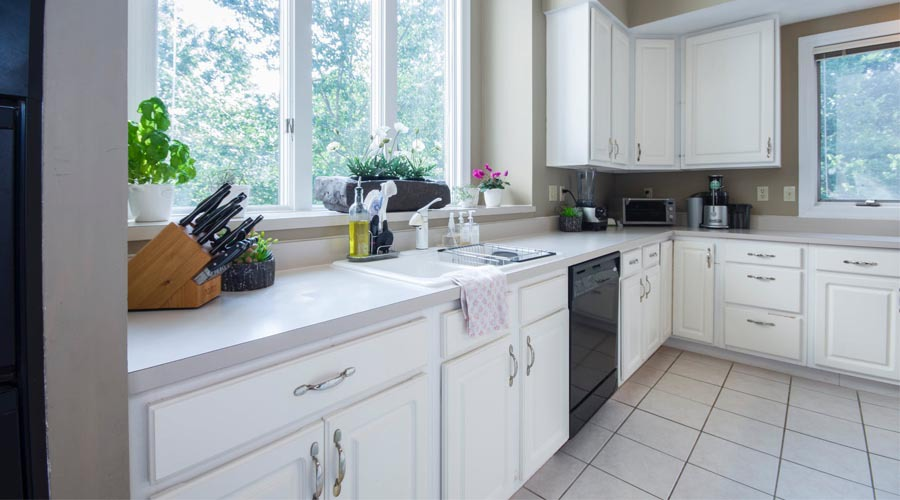 Kitchen Cabinet Doors Vs Drawers Which Is Best